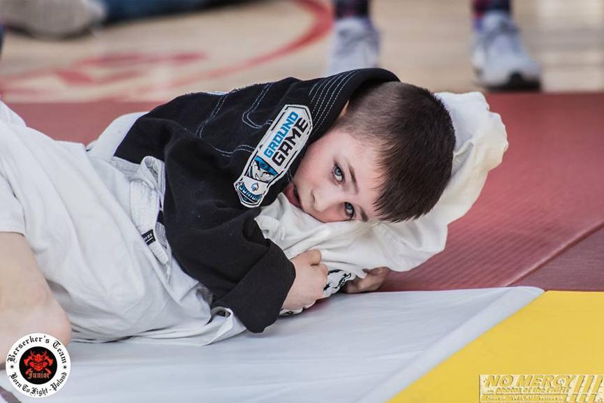 dzieci-bjj-zapasy-judo-niesmialosc